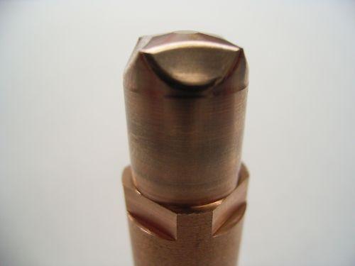 超硬合金への形彫放電加工の難しいところ